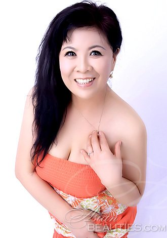 morrowville asian single women I think women will respond well as you look friendly, smart and approachable  you look fun and presentable in your album shots too so all good choices.